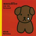 Snuffie en de brand (Dick Bruna) (Hardback)