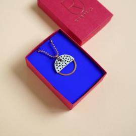 Porcelain necklace Kim