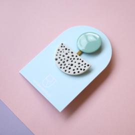 porcelain brooch 3