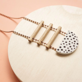 porcelain necklace le trois