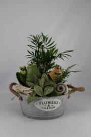 Plantenbakjes met zinken bakje