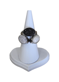 STAINLESS STEEL RING 3-STONE PEARL