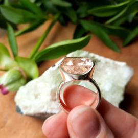 Rutielkwarts ring (925) zilver. Maat 17.45