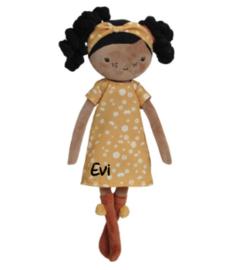 Little Dutch pop Evi met eigen naam