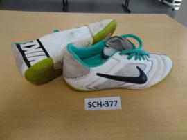 SCH-377 Voetbalpantoffels Nike