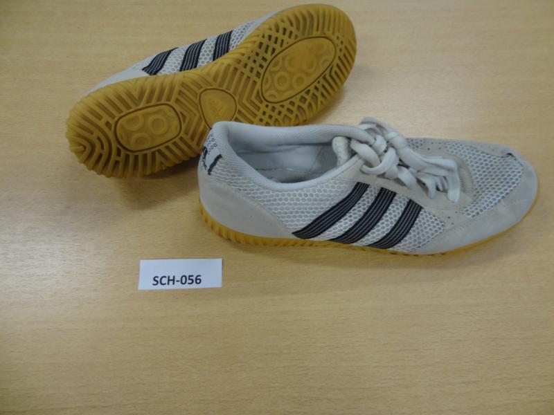 SCH-056 Schoenen Adidas