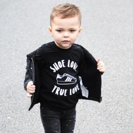 Shoe love sweater