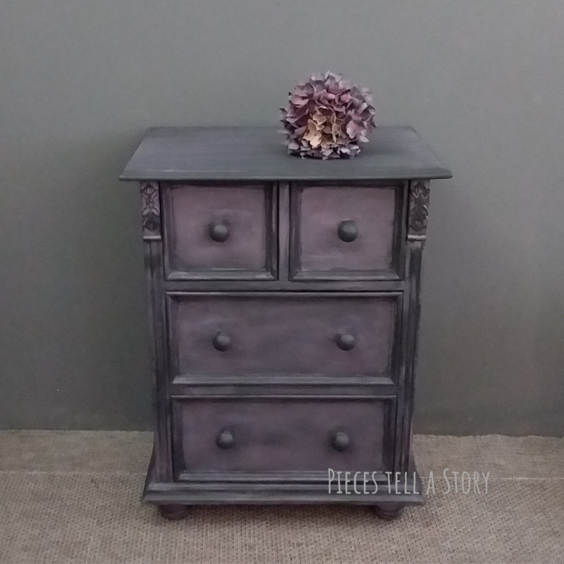 Unieke oude ladekast met prachtige details