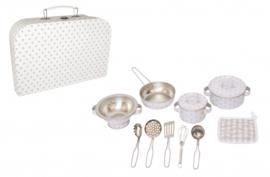 Koffer met keuken accessoires