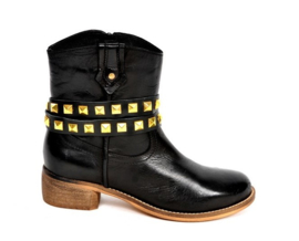 Black Leather Belts- Golden Studs- long  (prijs per paar)
