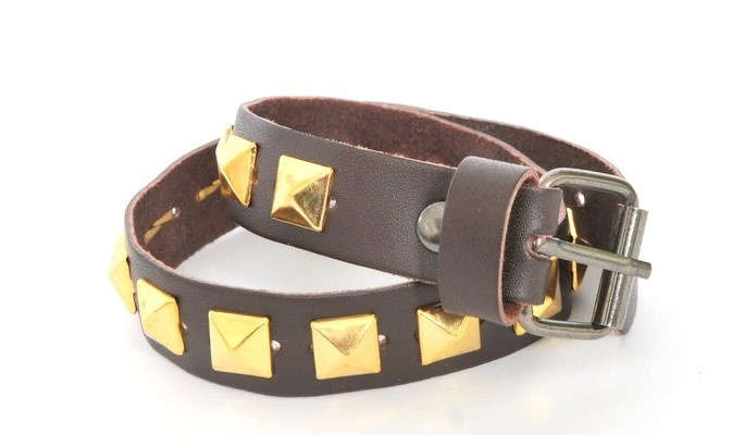 Brown Leather Belts - Gold Studs Short  (prijs per paar)
