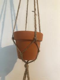 Macrame hanger +  terracotta potjes