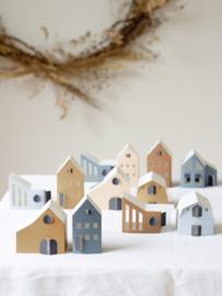 Jurianne Matter | Tus Tiny Houses