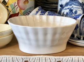 Puddingvorm - Société Céramique Maestricht - wit aardewerk - afbeelding fruit (peer, druiven)