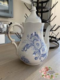 Koffiepot – waarschijnlijk Nimy (ongemerkt) – blauw bloemdecor van klaprozen.