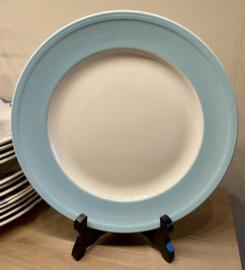 Dinerbord - Boch - met brede pastel blauw rand en ribbels