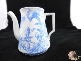 Koffie- of theepot – Boch Freres Keramis – decor Petunia helderblauw, zonder deksel.