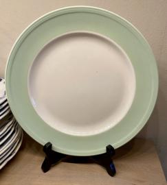 Dinerbord - Boch - met brede pastel groene rand en ribbels