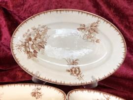 Schaal – ovaal – Societe Ceramique Maestricht – decor Olga bruin
