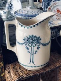 Lampetkan – Villeroy & Boch – decor 1006 van blauwe vloeiblauwe rozen met een groenige guirlande