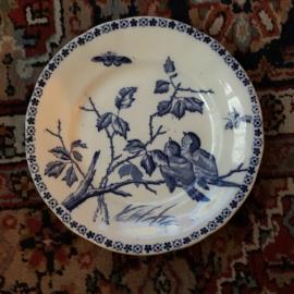 Ontbijtbordje – ongemerkt (Boch? Nimy?) – decor van blauwe vogeltjes op een tak