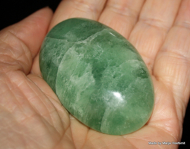 Fluoriet groen handsteen