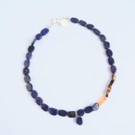 Ketting Peachy Blue, lapis lazuli, jade, tijgeroog