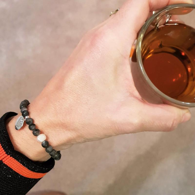 Armband Debby Dark , labradoriet en parel