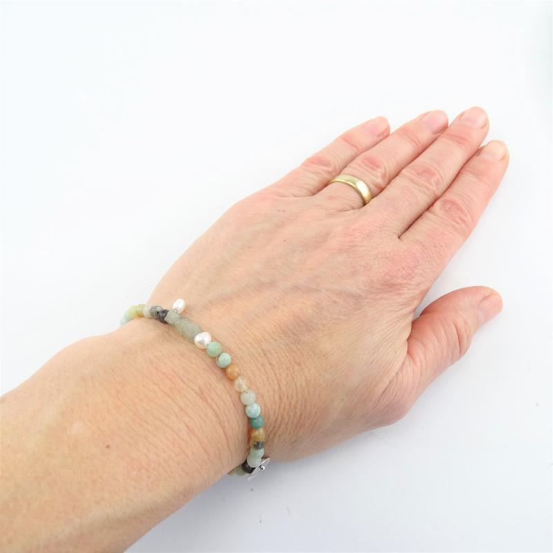 Jacky armband Liefde & Vriendschap, parel, labradoriet en amazoniet