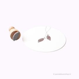 Mini stempel M | Dennenappel