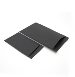 Zwart cadeauzakje klein 7x13