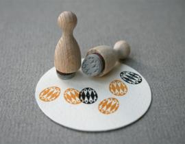 Mini Stempel S   Versierd eitje, harlequin ruit