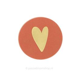 Sluitsticker rond hartje terracotta rood