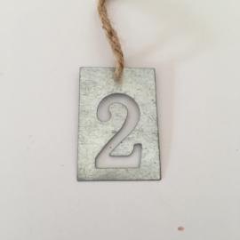 SALE - ijzer label met nummer 2 | 6 STUKS