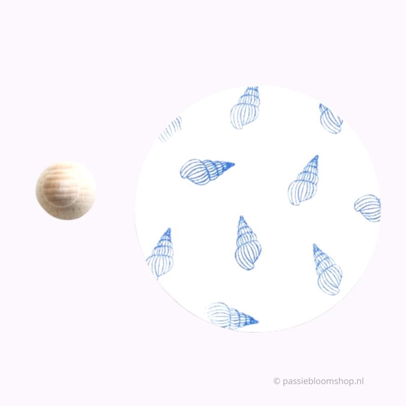 Mini stempel M | zee schelp