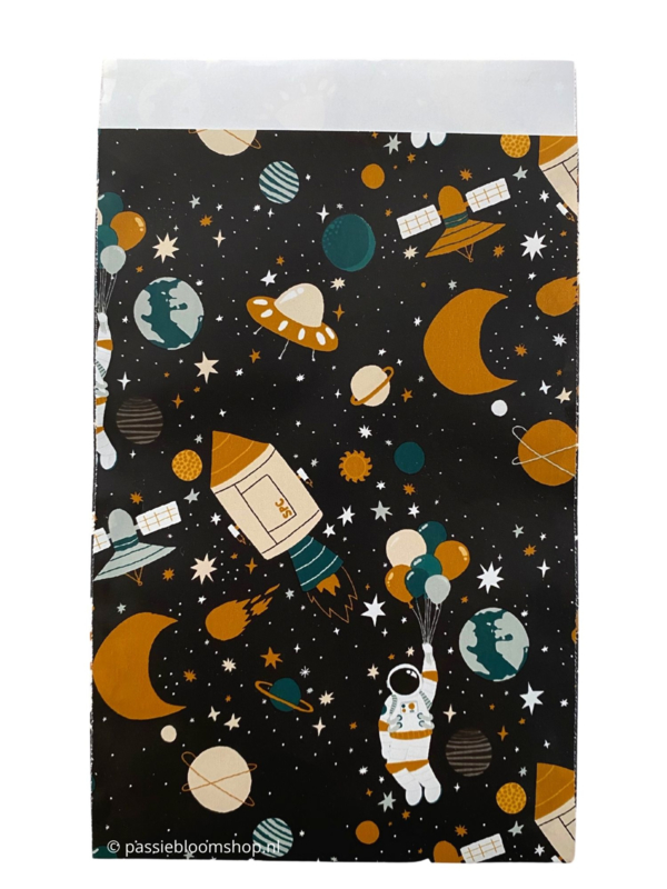 Cadeauzakjes ruimtevaart heelal astronaut 12x19 cm
