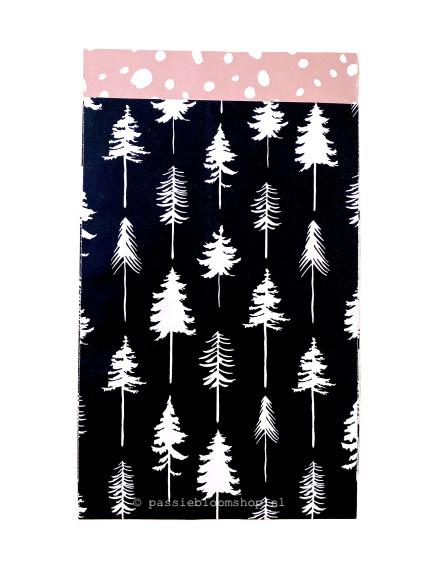Cadeauzakje kerstbomen zwart 12x19