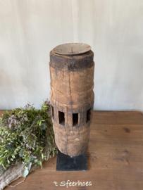 oude doorleefde houten wielnaaf kandelaar B