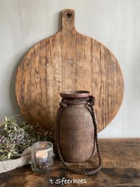 oude doorleefde Nepalese houten kruik, hoogte 23,5 cm