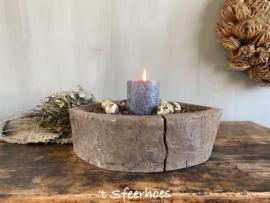 oude robuuste houten vijzel