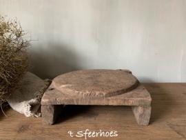 oud doorleefde houten chapati plate onderzetter