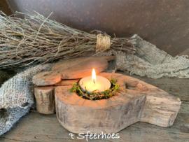 oud doorleefde houten spicebox