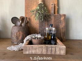 oud doorleefd dienblad van hout & ijzer, maat S