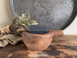 klein houten vijzeltje met steel