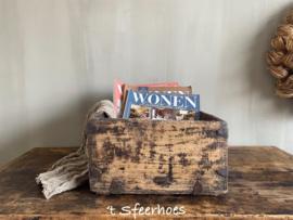 oude doorleefde Chinese houten (lectuur) bak
