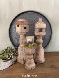authentieke oud houten baluster, links