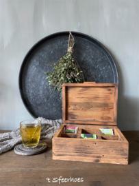 oude doorleefde houten theedoos, 6 vakken