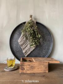 oude doorleefde houten theedoos met schuifdeksel, 6 vakken