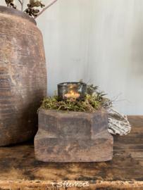 kleine oud doorleefde houten poer