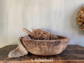 robuuste oud doorleefde houten schaal